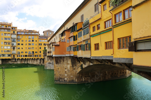 Fotobehang Florence Ponte Vecchio the famous arch bridge in Florence, Italy
