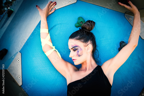 Aluminium Fitness young urban finess woman with artistic makeup outdoor in the city summer day