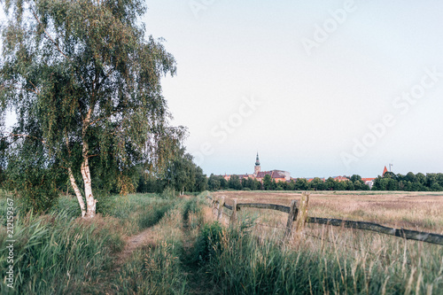 Fotobehang Wit Panoramablick auf die Stadt Greifswald
