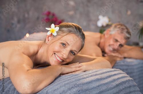 Leinwanddruck Bild Couple resting at spa