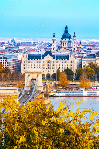 Fotobehang Boedapest Landmark of Budapest, Szechenyi Chain Bridge, river Danube, houses panoramic view