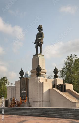 Plexiglas Bangkok Memorial statue of King Rama VI at the entrance to Lumphini Park in Bangkok. Kingdom of Thailand