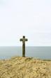 grande croix en front de mer en bretagne,symbole