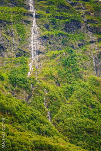 Aluminium Pistache Waterfalls innorwegian mountains
