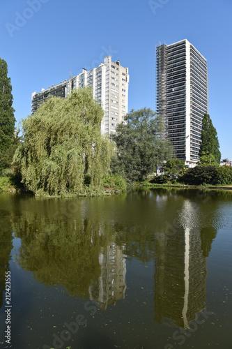 Obraz na płótnie immobilier batiment appartement logement parc