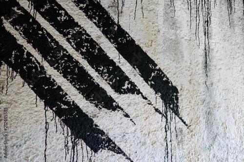 Plexiglas Graffiti Streifen Graffiti Ausschnitt in schwarz/weiß mit Farbläufer