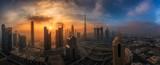 Nebliger Morgen über das Zentrum Dubais - 212465719