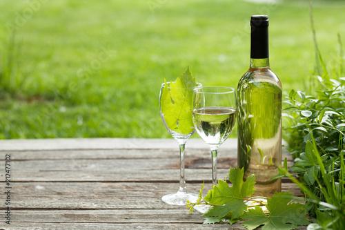 Leinwanddruck Bild White wine