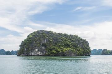 Vietnam - Ha Long Bay © Sergio Durango