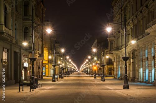 Zdjęcia na płótnie, fototapety na wymiar, obrazy na ścianę : Piotrkowska street at night in Lodz city, Lodzkie, Poland