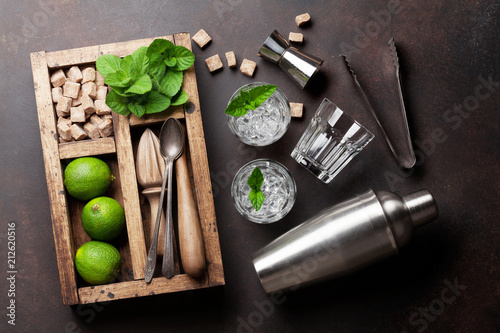 Mojito cocktail ingredients box - 212620516