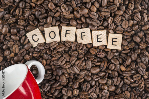 Aluminium Koffiebonen Coffee wooden sign Tasteful coffee grains with wooden tile text make an excellent coffee shop invitation