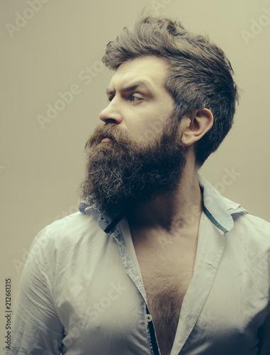 Virat Kohli Tends To Keep A Sharply Cut Beard Which Requires Regular Styling