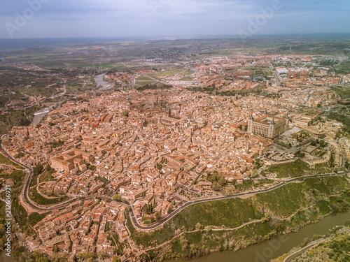 Fotobehang Zalm Vista aerea de Toledo, España