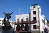 San Miguel -Brunnen vor dem Rathaus - 212673191