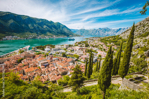 Leinwanddruck Bild Historic town of Kotor with Bay of Kotor in summer, Montenegro