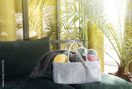 Leinwanddruck Bild bag with a set for knitting