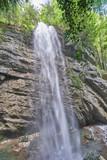 schlucht mit Wasserfall