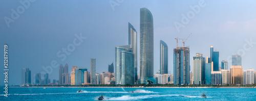 Foto Spatwand Abu Dhabi View of Abu Dhabi Skyline at day time, UAE