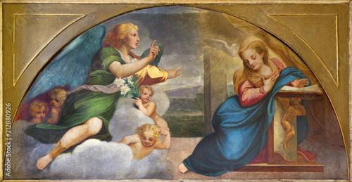 In de dag Jezus Christus PARMA, ITALY - APRIL 16, 2018: The paintig of Annunciation in church Chiesa della Santissima Annunziata as the copy of fresco by Correggio (1520).
