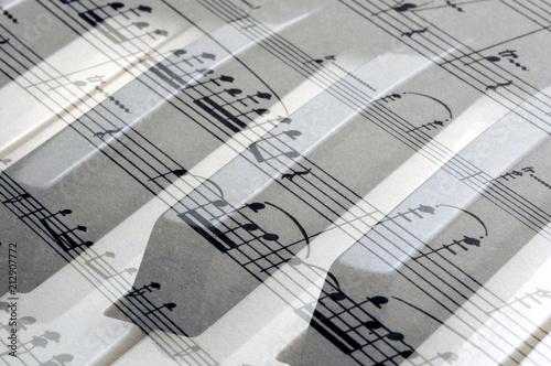 Μουσικό πεντάγραμμο Pentagramma musica Notensystem Musik Portée موسيقى musique مدرج Pentagrama 五線譜 Pięciolinia Нотный стан Notová osnova Staff music חמשה Pauta  música - 212907772