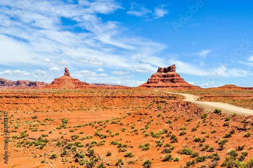 Aluminium Oranje eclat Giant Sandstone Monoliths Rise Up From Utah's Valley of the Gods
