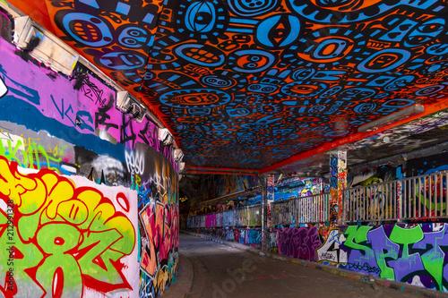 Plexiglas Graffiti Leake Street Graffiti Tunnel in London