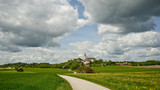 Feldweg zum Kloster Andechs