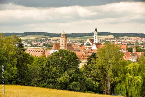 Obraz na płótnie Blick auf Donauwörth mit Wolken