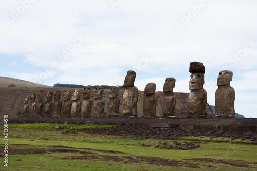 Fotobehang Wit Moai Rapa Nui Isla de Pascua