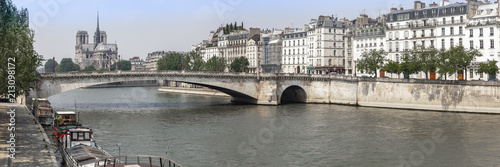 Panoramafoto Notre Dame in Paris, Frankreich - 213098172