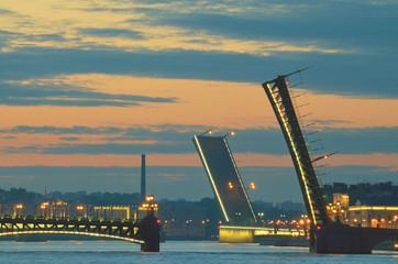 The drawbridges of St. Petersburg. © borroko72