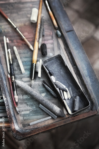 Close up of an artist box - 213261901