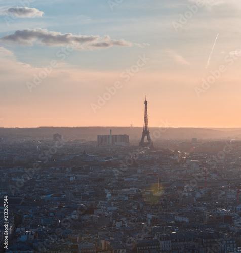 Coucher de soleil à Paris - 213267544