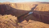 Revealing shot of the Horseshoe Bend in Arizona amazing scale overlooking the river - 213273585