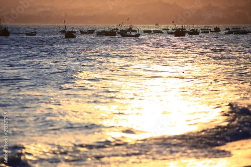 Foto Spatwand Zwavel geel Beach in the tropics