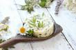 Kräuterbutter Butter Kräuter essbare Blüten Wildkräuter frisch selbstgemacht