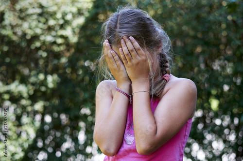 Leinwanddruck Bild Mädchen weint