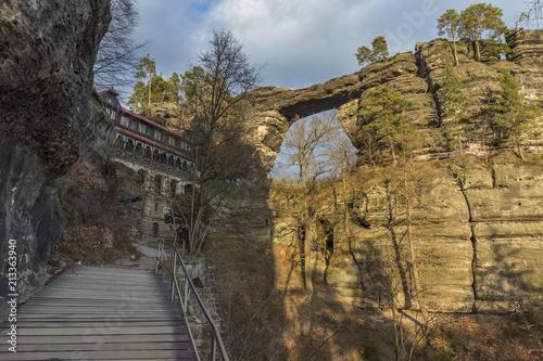 Foto Murales View of the Prebischtor Gate, Bohemian Switzerland, Czech Republic