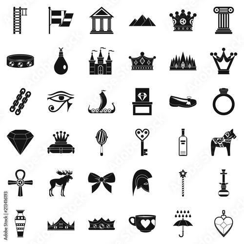 Zestaw ikon złota Korona. Prosty styl 36 złotych korony wektorowych ikon dla sieci odizolowywającej na białym tle