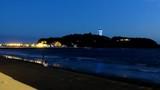 江の島の灯台の見る砂浜で迎える夕暮れ - 213437522