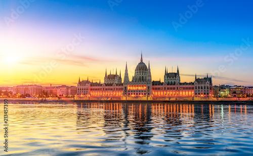 Foto Murales Hungarian Parliament Building by Sunrise