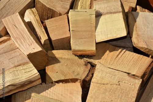 Leinwanddruck Bild Holzscheite; Holzabfaelle; Brennholz;