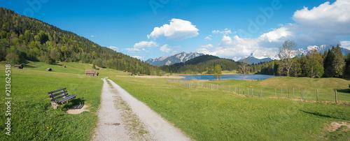 Foto Murales Wanderweg mit Bank zum Geroldsee