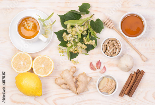 Foto Murales Home remedies for cold and flu, top view with copy space