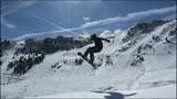 Snowboarder Jumping (spin 540°) - Mayrhofen Austria - 213739994