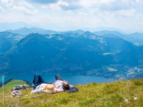 Leinwanddruck Bild Entspannung in den Bergen des Salzkammergut