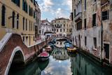 Venezia, canali - 213831326