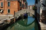 Venezia, canali - 213833178