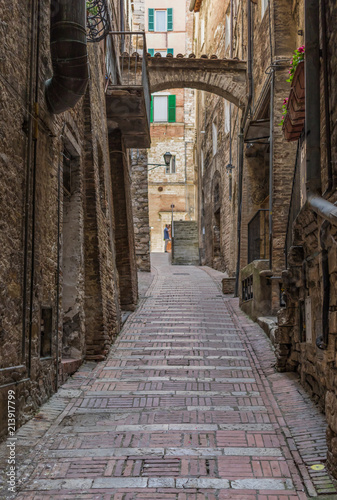Aluminium Smalle straatjes Perugia, Italy - one of the most interesting cities in Umbria, Perugia is known for its medieval Old Town and its narrow alleys